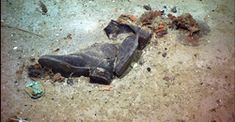 Human remains may be embedded in the mud of the North Atlantic where the New York-bound Titanic came to rest when it sank 100 years ago. This photo shows a pair of shoes at the bottom of the ocean near the Titanic shipwreck site. Rms Titanic, Titanic Today, Titanic Wreck, Titanic Ship, Titanic History, Ancient History, Titanic Sinking, Titanic Photos, Titanic Museum