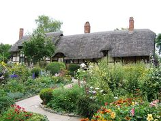 Anne Hathaway's Cottage and Garden, Shottery, Warwickshire, England. The childhood home of William Shakespeare's wife.