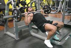 Exercício: Supino 45º. Grupos musculares: Peitoral (fibras superiores), Tríceps, Ombro. Execução correta, recomendações, cuidados e mais informações