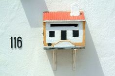 How to Build a Wooden Mailbox thumbnail