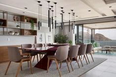 Diseños de alfombras para comedor consejos e inspiraciones para decorar su hogar Dining Room Inspiration, Conference Room, Table, Furniture, Home Decor, Carpet Dining Room, Carpet Colors, Rug Size, Refurbishing Furniture