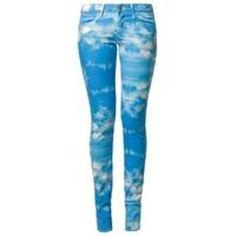 Wrangler COURTNEY Slim fit jeans blue at Zalando UK.