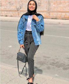 How to wear striped pants with hijab Striped pants and ruffle blouses hijab outfits – Just Trendy Girls Hajib Fashion, Hijab Fashion Summer, Modern Hijab Fashion, Hijab Fashion Inspiration, Fashion Outfits, Latest Fashion, Fashion Trends, Casual Hijab Outfit, Casual Outfits