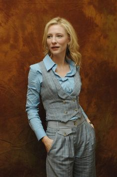 Cate Blanchett everything she does is magic. - fashion beauty - Emelie Hecht - Cate Blanchett everything she does is magic. Dandy Look, Dandy Style, Estilo Dandy, Tomboy Fashion, Fashion Outfits, Androgynous Fashion Women, Crazy Fashion, Vest Outfits, Outfit Jeans