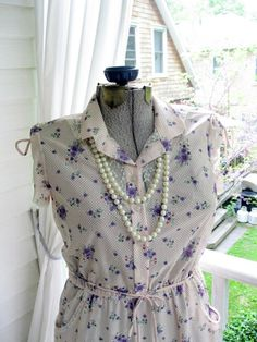 Vintage Dress Size 10 Purple Pansies Sixties by mailordervintage