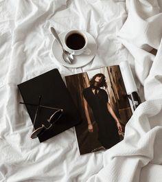 flat lay, coffee, magazine. #flatlay #coffee #fotografia