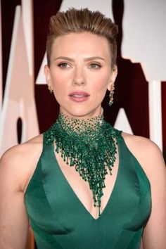 Oscars Jewelry: The Best Bling from 2015: 2015 Oscar Jewelry: Scarlett Johansson in Emeralds and Piaget Ear Cuffs