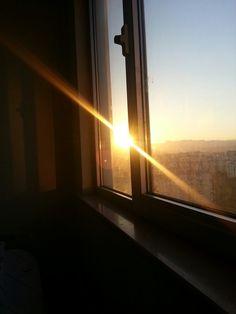 Adeta bir güneş ışını gibi özgürleşmeyi bekliyorum