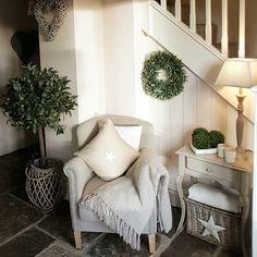 Farmhouse Foyer Ideas Shabby Chic 57 Super Ideas Foyer and Entryway Ideas Chic farmhouse foyer Ideas Shabby super Style At Home, Cottage Interiors, Hallway Decorating, Decorating Ideas, Decor Ideas, Cottage Living, Home And Deco, My New Room, Shabby Chic Decor