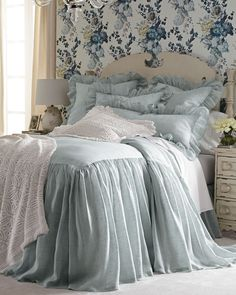 inspiring modern bedroom design ideas for this year 39 French Country Bedrooms, French Country Decorating, French Country Bedding, Country French, Bed Linen Design, Shabby Chic Bedrooms, Luxury Bedding Sets, Cool Beds, Beautiful Bedrooms