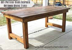 DIY Pottery Barn-inspired outdoor dining table [by The Happier Homemaker] Diy Dining Table, Diy Farmhouse Table, Patio Tables, Dining Rooms, Wood Tables, Kitchen Tables, Patio Dining, Side Tables, Porch Table