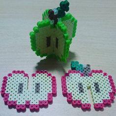 Apple perler beads by chako.1022