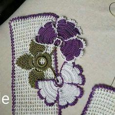 Havlu Kenarı Modelleri Resimli 68 Crochet Doilies, Crochet Flowers, Crochet Lace, Magia Do Crochet, Love Crochet, Crochet Home Decor, All Craft, Crochet Designs, Needlepoint