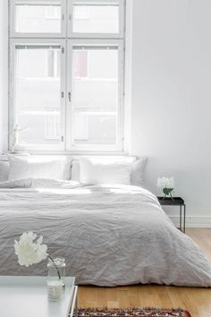 A plain white bedroom offers the beauty of modern simplicity which incorporates simple organic living. Airy Bedroom, Minimal Bedroom, Home Bedroom, Bedroom Decor, Bedroom Ideas, Master Bedroom, Taupe Bedroom, Indie Bedroom, Bedroom Rugs