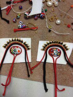 Ribbon Jewelry, Fabric Jewelry, Jewelry Crafts, Beaded Jewelry, Beading Tutorials, Beading Patterns, Handmade Accessories, Handmade Jewelry, Soutache Tutorial