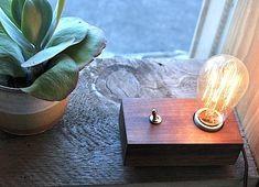 Aydınlatma ve Dekor Dünyasından Gelişmeler: Greenhouse'dan Reclaimed Block Light Masa Lambası