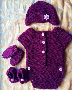 Cute Crocheted Baby Romper, Beanie, Mittens and Booties  Romper pattern - http://bebrightblog.blogspot.in/2013/09/crochet-baby-preemie-onesie-free-pattern.html