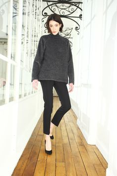 Martin Grant | Pre-Fall 2016 | 03 Grey long sleeve sweater and black trousers