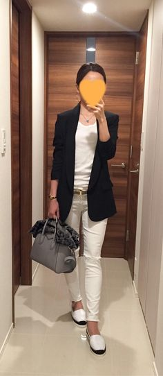Black jacket: SISLEY, White tee: Three dots, White skinnies: Mother, Grey bag: GIVENCHY,  Espadrille: DRESSTERIOR