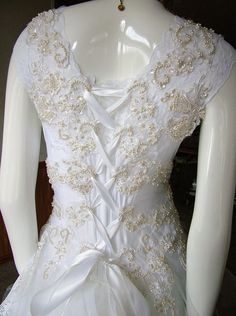 Vintage Victorian white wedding dress one of a kind Country Garden Weddings, Bling Wedding, White Wedding Dresses, Second Hand, Dress First, Traditional Wedding, Beautiful Dresses, Vintage Inspired, Sequins