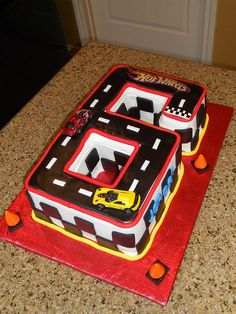 HOT WHEELS CAKE  by monicamartinez95, via Flickr