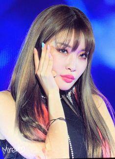 Kpop Girl Groups, Kpop Girls, Chung Ah, Kim Chungha, Jung Chaeyeon, Cute Icons, Girl Inspiration, Korean Music, Power Girl