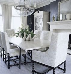 Giant-Clam-Shell-Dining-Room-Table