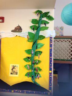 Jack and the Beanstalk Magic Hat, Jack And The Beanstalk, Board Ideas, Bulletin Boards, Fairy Tales, Dinosaur Stuffed Animal, Kindergarten, Preschool, Construction