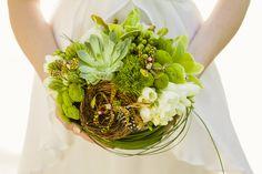 Edmonton Wedding Florist | Flowers | Akiko Floral Artistry Inc. | Bird Shoot 0013 http://akikofloral.com/blog/index.php/birds-of-a-feather/