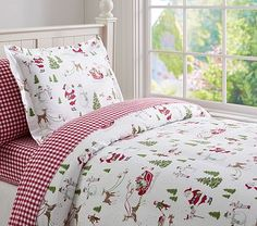 Dear Santa Flannel Duvet Cover - love this from Pottery Barn Kids.  Naomi is all about Christmas, and her Birthday in November.