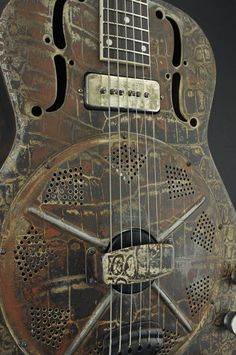 Trussart Steel ResoGator Guitar
