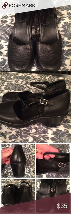 Dansko shoes Very good condition. Last pic shows wear at top. Not noticeable when wearing. Dansko Shoes