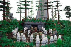 Page 1 of 2 - Battle of Endor - posted in Star Wars Eigenbauten: Hallo zusammen, es ist jetzt gut ein halbes Jahr vergangen, als ich den ersten Stein bei diesem Projekt verbaut habe. Hab euch ja im WIP-Thread auf dem laufenden gehalten. Nun präsentiere ich euch mein fertiges Endor Diorama, welches ich für die Star Wars Tage im Legoland gebaut habe. Im Oktober wird dann noch das Modul des Bunkers und die Landeplattform auf der N4C in Nürnberg ausgestellt. Einige von euc...