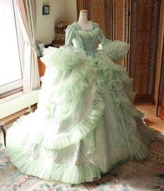 Victorian Era Dresses, Victorian Gown, Victorian Costume, Rococo Fashion, Victorian Fashion, Pretty Dresses, Beautiful Dresses, Rococo Dress, Crinoline Dress