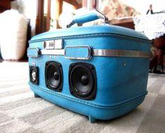 vintage suitcase boombox http://www.mymodernmet.com/profiles/blogs/vintage-suitcase-boomboxes