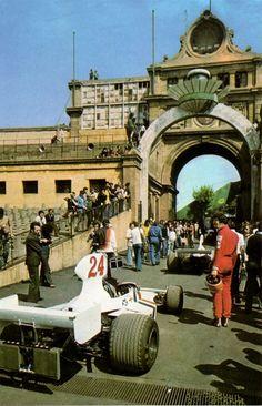 Hesketh Racing...Hesketh 308...Motor Ford Cosworth DFV V8 3.0...GP España 1975 F1 Barcelona, Motor Ford, F1 Wallpaper Hd, James Hunt, Race Engines, Classic Motors, F 1, Formula One, Grand Prix