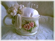 Vintage ~ The Feathered Nest ~ Shabby Chic Crafts, Vintage Crafts, Shabby Chic Decor, Sewing Hacks, Sewing Crafts, Sewing Projects, Sewing Kits, Teacup Crafts, Vintage Sewing Notions