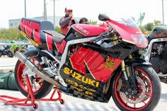 Gsxr 750, Bike Details, Suzuki Motorcycle, Suzuki Gsx, Racing Motorcycles, Katana, Cool Bikes, Motorbikes, Old School