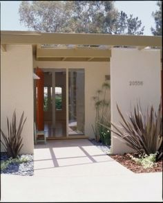 Entry Photos Front Porch Modern Design, Pictures, Remodel, Decor and Ideas - page 9