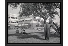 1180-x-600-120315_photos-from-walt-disney-archives