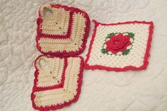Vintage Potholders Red and Off white SALE by rarefinds4u on Etsy