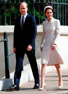Prince William & Kate Middleton Attend Family Easter Service: Photo The royal family stepped out to celebrate Easter together this weekend. Prince William and Kate Middleton joined Queen Elizabeth II and other family members at… Prince William Et Kate, Prince William Family, Kate Middleton Prince William, William Kate, Prince Edward, Style Kate Middleton, Kate Middleton Photos, Lady Louise Windsor, Duchess Kate