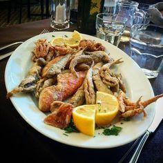 Richtiges #mittagessen muss sein :) #friedfish #fish #lunch #foodporn #ragusa #sicilia #sizilien
