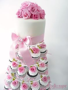 Pretty soft pink and white cupcake tower. Cupcake Rosa, Cupcake Art, Cupcake Cakes, Cupcake Towers, Cupcake Ideas, Fancy Cupcakes, Pretty Cupcakes, Wedding Cupcakes, White Cupcakes