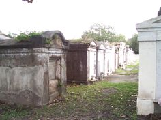 haunted cemetery in New Orleans
