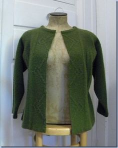 Discover thousands of images about felted wool sweater cardi tutorial Diy Fashion, Fashion Outfits, Old Sweater, Crewneck Sweater, Recycled Sweaters, Wool Sweaters, Diy Clothes Videos, Sweater Refashion, Altering Clothes