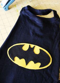 No-sew superhero cape made from a t-shirt. So easy! Superhero Capes For Kids, Superhero Costumes For Boys, Boy Costumes, Super Hero Costumes, Halloween Costumes For Kids, Halloween Parade, Halloween Ideas, No Sew Cape, Diy Cape