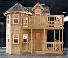 Princess playhouse plans instructions to build an outdoor play structure for your children #backyardplayhouse #playhousesforoutside #playhousebuildingplans