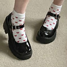 Dr Shoes, Swag Shoes, Me Too Shoes, Shoes Heels, Aesthetic Shoes, Aesthetic Clothes, Pretty Shoes, Cute Shoes, Pretty Outfits