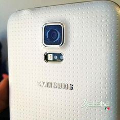 Tienes un Galaxy S5 modelo G900V, esto te interesa: Samsung confirma falla en la cámara de algunos Galaxy S5.